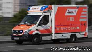 Kind bricht in Dach ein und verletzt sich schwer - Süddeutsche Zeitung