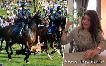 """Vrouw die op La Boum omver werd gelopen door politiepaard in Ter Kamerenbos: """"Dit had fataal kunnen aflopen"""" - Het Nieuwsblad"""