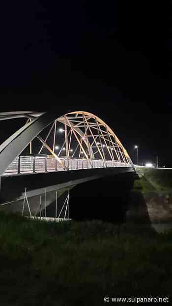 Bomporto, il Ponte nuovo illuminato di giallo per sensibilizzare sui casi Zaki e Regeni - SulPanaro