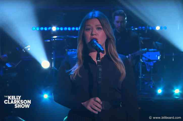 You Won't Be Feeling So 'Blue' After Hearing Kelly Clarkson's LeAnn Rimes Cover