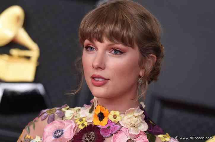 Hey Stephen: Taylor Swift Is Coming to 'Colbert' Next Week