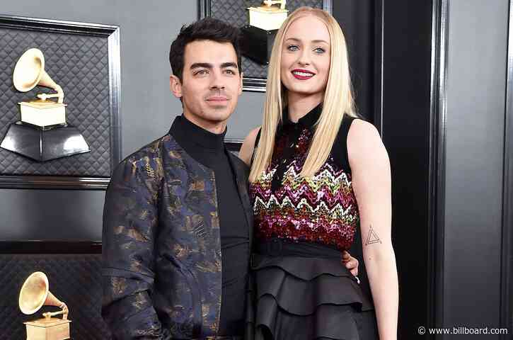 Joe Jonas & Sophie Turner Flex Their Muscles… And Their COVID-19 Vaccinations