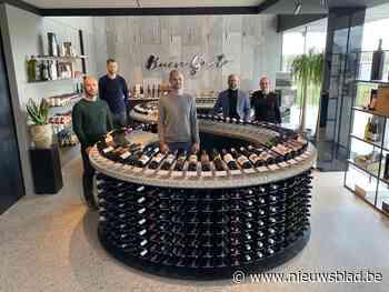 """Vier ton zware, unieke toonbank siert nieuwe wijnzaak: """"Een enige kans om iets bijzonders te creëren"""""""