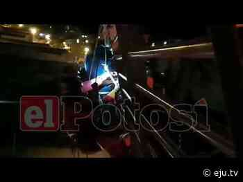 Potosí: Bomberos rescatan a suicida que pretendió arrojarse del puente Nazaret - eju.tv