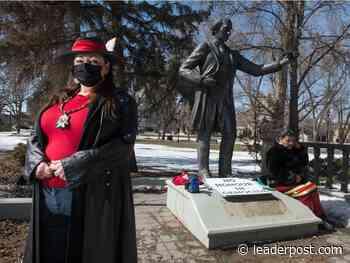Regina city council votes to remove John A. Macdonald statue from Victoria Park - Regina Leader-Post
