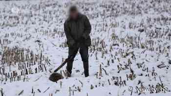Wandelaar maakt schokkende foto's van jager die das neerknuppelt in Alken - TV Limburg