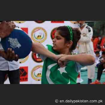 Pakistani girl, 8, beats Indian martial arts instructor to set new world record (VIDEO) - Daily Pakistan Global