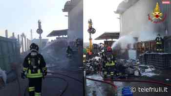 Incendio rifiuti da lavorazione a Fontanafredda - Telefriuli