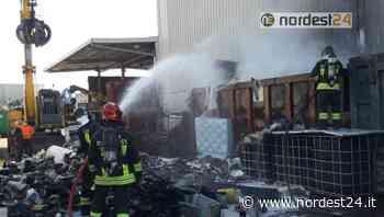 Incendio in una ditta di stoccaggio materiali ferrosi a Vigonovo di Fontanafredda - Nordest24.it