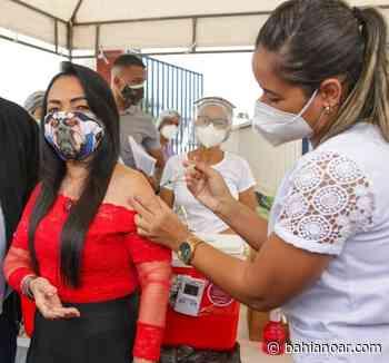 Prefeita de Lauro de Freitas é vacinada contra a Covid-19: 'Foi difícil segurar a emoção' - bahianoar.com