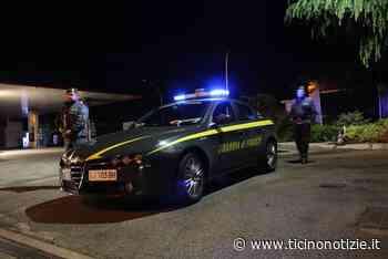Inveruno: inseguimento nella notte, Porsche si ribalta. Dentro c'erano 22mila euro, occupanti in fuga - Ticino Notizie