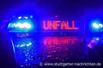 Unfall auf A8 bei Neuhausen auf den Fildern - Autobahn nach Crash auf mittlerer Autobahnspur gesperrt - Stuttgarter Nachrichten