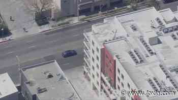 Officers in pursuit of vehicle in Hollywood - FOX 11 Los Angeles
