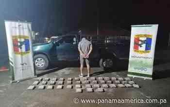 En dos operativos en el puesto de control de Bayano en Chepo incautan 57 paquetes de droga y detienen a dos personas - Panamá América