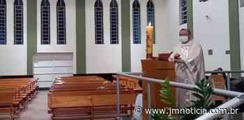 Missa em Duartina (SP) é interrompida por fiscais; Padre fazia transmissão online - JM Notícia