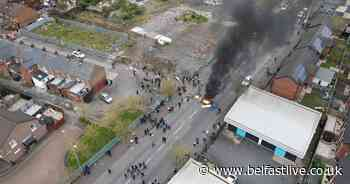 Lanark Way 'protest' leads to PSNI closing interface gates - Belfast Live
