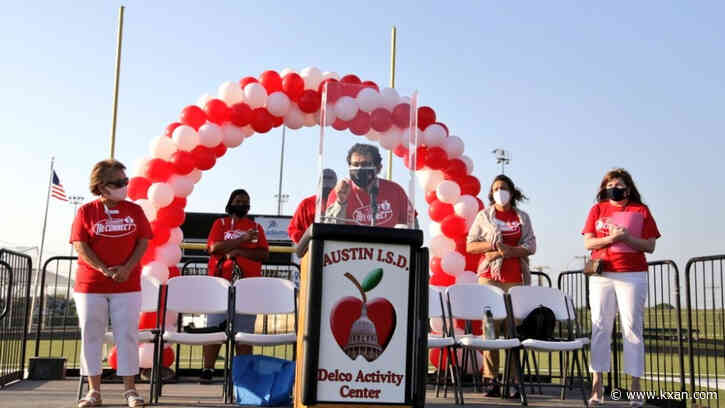 Austin ISD hosts block walk to reconnect, welcome families to schools