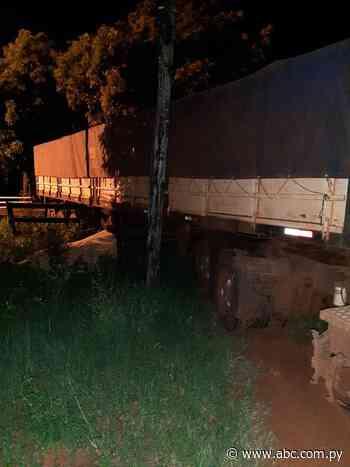 Incautan un camión con 30 toneladas de soja en Villeta - Nacionales - ABC Color