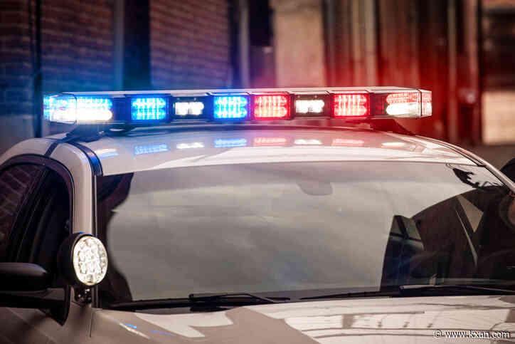 Medics responding to 4-vehicle crash in north Austin, 7 people injured