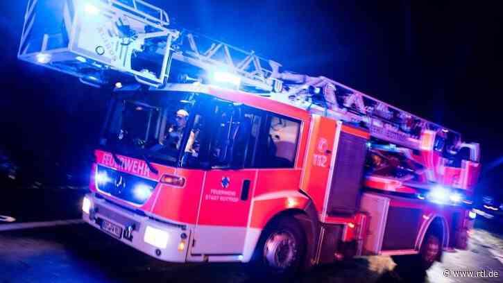 Drei Verletzte bei Brand eines Mehrfamilienhauses in Renchen - RTL Online