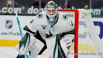 Avalanche acquire goaltender Devan Dubnyk from Sharks