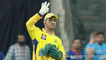 Starting IPL games at 7.30pm gives team bowling first an advantage, says MS Dhoni