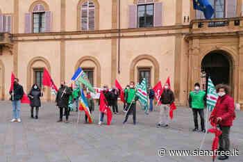 Presidio dei lavoratori agricoli a Siena: i sindacati ricevuti in Prefettura - 10.04.21 - SienaFree.it