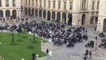 Reims : près de 150 motards manifestent contre le contrôle technique - France Bleu
