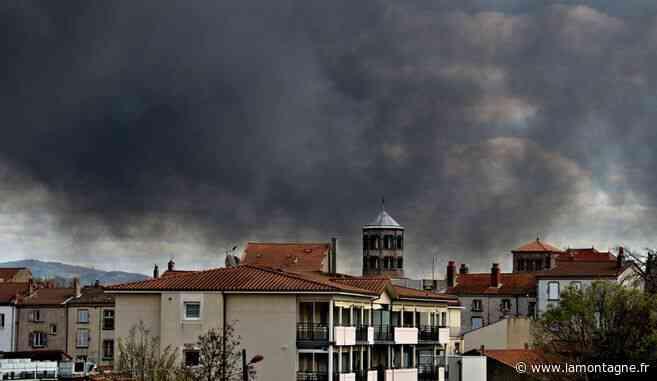 Le spectaculaire incendie à Issoire (Puy-de-Dôme) vu par nos internautes - Issoire (63500) - La Montagne