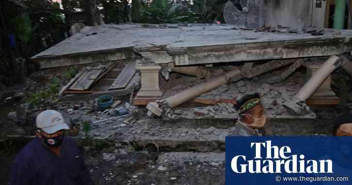 Indonesia earthquake: at least eight dead on Java island