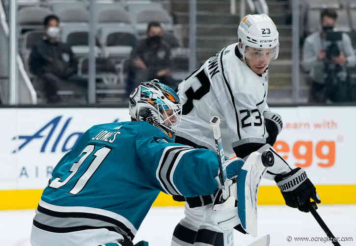 Kings excel in all areas, defeat Sharks