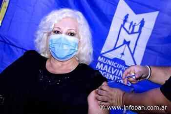 La actriz Luisa Albinoni, vecina de Tortuguitas, recibió su vacuna contra coronavirus en el Polideportivo de Grand Bourg - InfoBan