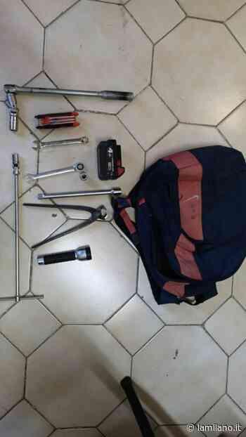 Caserta, a Santa Maria a Vico trovati in possesso di arnesi per smontaggio delle ruote di autovetture: i Carabinieri denunciano 4 persone - La Milano