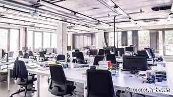 Büro-Präsenz oder Homeoffice?: Poker um Büroimmobilien steht kurz bevor