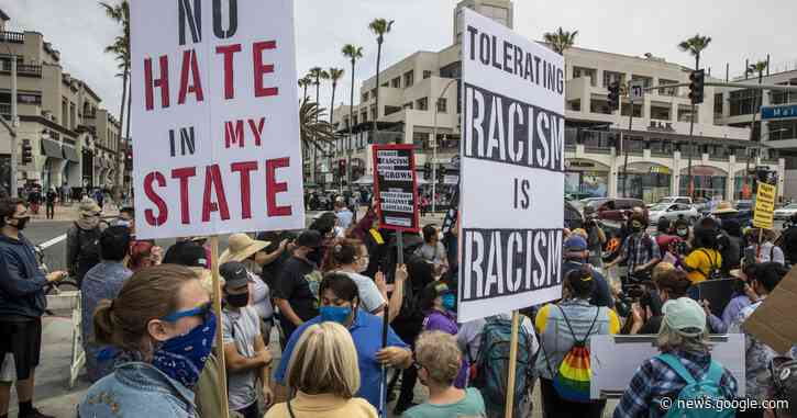 Tensions increase among rival demonstrators in Huntington Beach - Los Angeles Times
