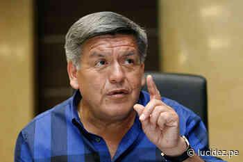 Cesar Acuña emite su voto en el colegio San Agustin   Política - Lucidez