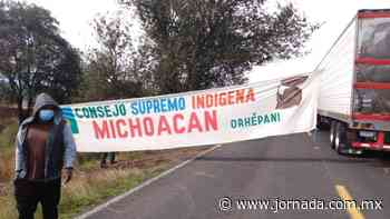 Comuneros purépechas retiran bloqueo en carretera Morelia-Zacapu - La Jornada