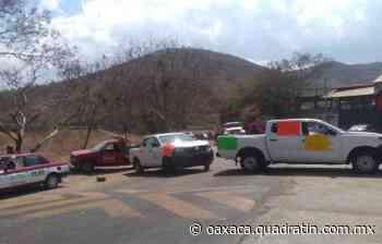 Bloquean carretera a Puerto Escondido por falta de vacunas anticovid - Quadratín Oaxaca