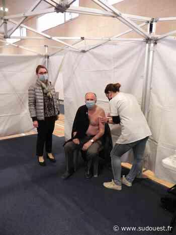 Audenge : déjà 140 vaccinés grâce au premier passage du Vaccibus du Département - Sud Ouest