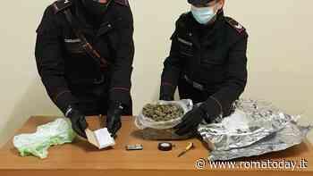 Fermato con oltre mezzo chilo di marijuana, un giovane finisce nei guai