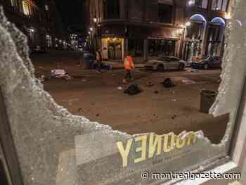 Anti-curfew protest degenerates into arson, vandalism in Old Montreal