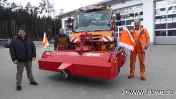 Anschaffung der Gemeinde Zandt - Neue Kehrmaschine für den Bauhof - idowa