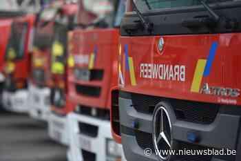 Twee Mercedessen gaan in de vlammen op na brandstichting