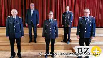 Bürgermeister Montzka ernennt drei Ehrenortsbrandmeister