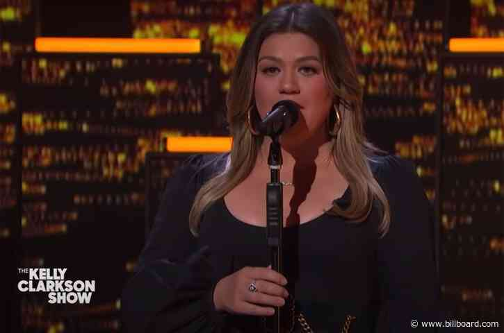 Kelly Clarkson Refuses to Surrender In Cover of Dido's 'White Flag'