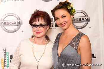 Naomi Judd Gives Update on Daughter Ashley Judd's Recovery: I'm Going to 'Take Her Stitches Out' - Yahoo News NZ