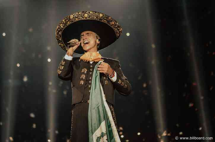 Alejandro Fernandez Announces 'Epic' 'Hecho en Mexico' Tour: Exclusive