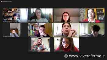 """Giovani e ambiente: la terza superiore del liceo scientifico di Fermo si interroga sull'agenda 2030. L'assessore Ciarrocchi """"professore per un giorno"""" - Vivere Fermo"""