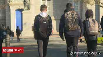 Covid in Scotland: Schools begin full-time classroom return