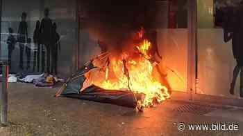 Mitten in Köln - Obdachlosen-Zelt angezündet - BILD